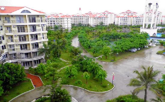 海南琼海天来泉老年疗养公寓2期花园。