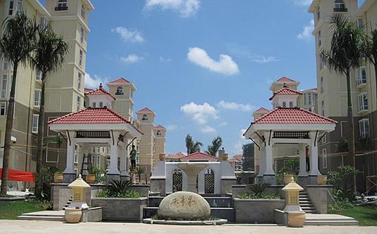 海南琼海天来泉老年度假公寓2期大门。