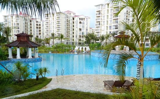 琼海天来泉老年公寓内的温泉游泳池设施。在这里,老年人的娱乐活动也可以是温泉。温泉让冬天更温暖舒适。