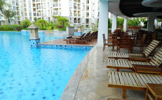 琼海天来泉老年公寓内的温泉游泳池设施。在这里,你不会感觉到冷,这里会让你感觉到冬天里的温暖。